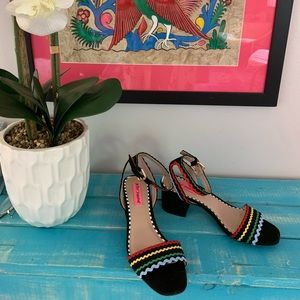 Betsey Johnson sandals- black & bright colors sz 7